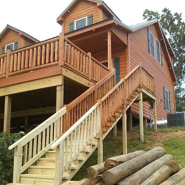 Toledo Bend Cabin just got a little fancier today. This stairway was added off the deck to give yiu easier access to the lake. We ran out of stain!! #toledobendcabin #toledobend