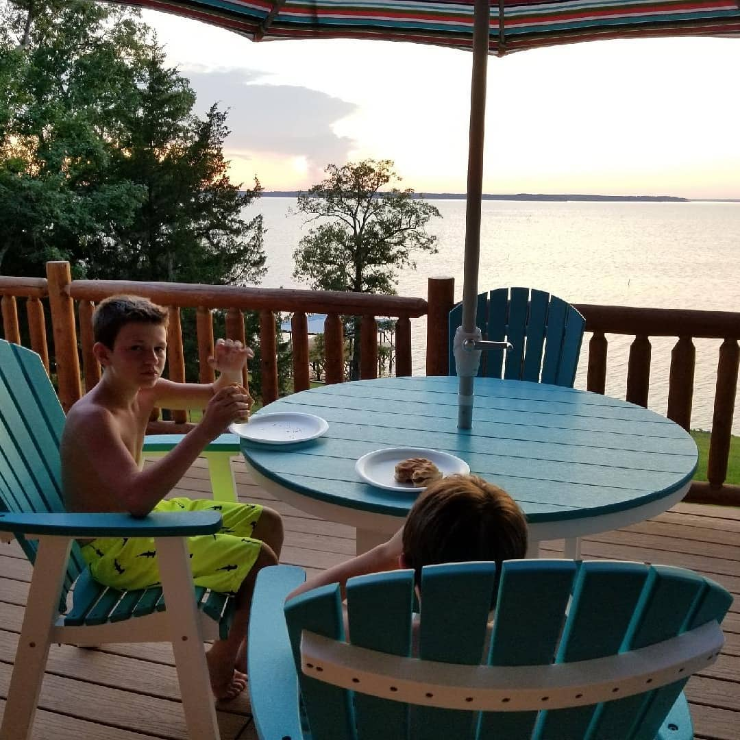 Sunset and supper on the balcony after an afternoon of riding the jet skis! #toledobendcabin #toledobend #sunset #supper