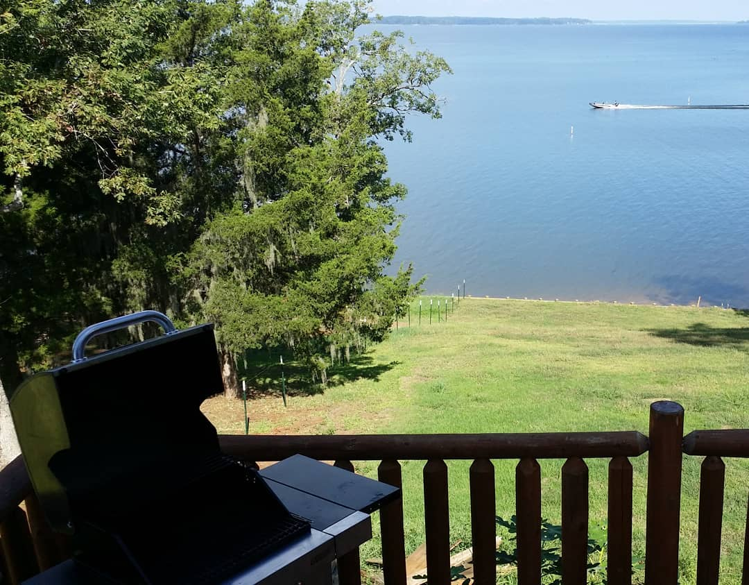 Grill is clean and ready.  Bring your steaks! #toledobendcabin #toledobend #grilling