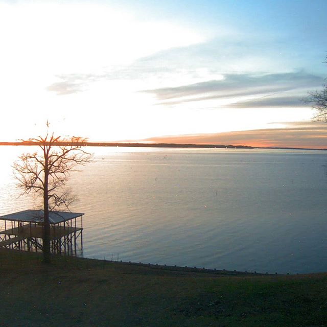 The lake sunset is calling and you must go  #toledobendcabins #sunset #toledobend #toledobendlake