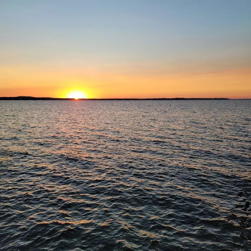 Gifted this beautiful sunset picture from our guests this evening at Toledo Bend  #toledobendcabins #toledobendcabin #toledobendlake #toledobend